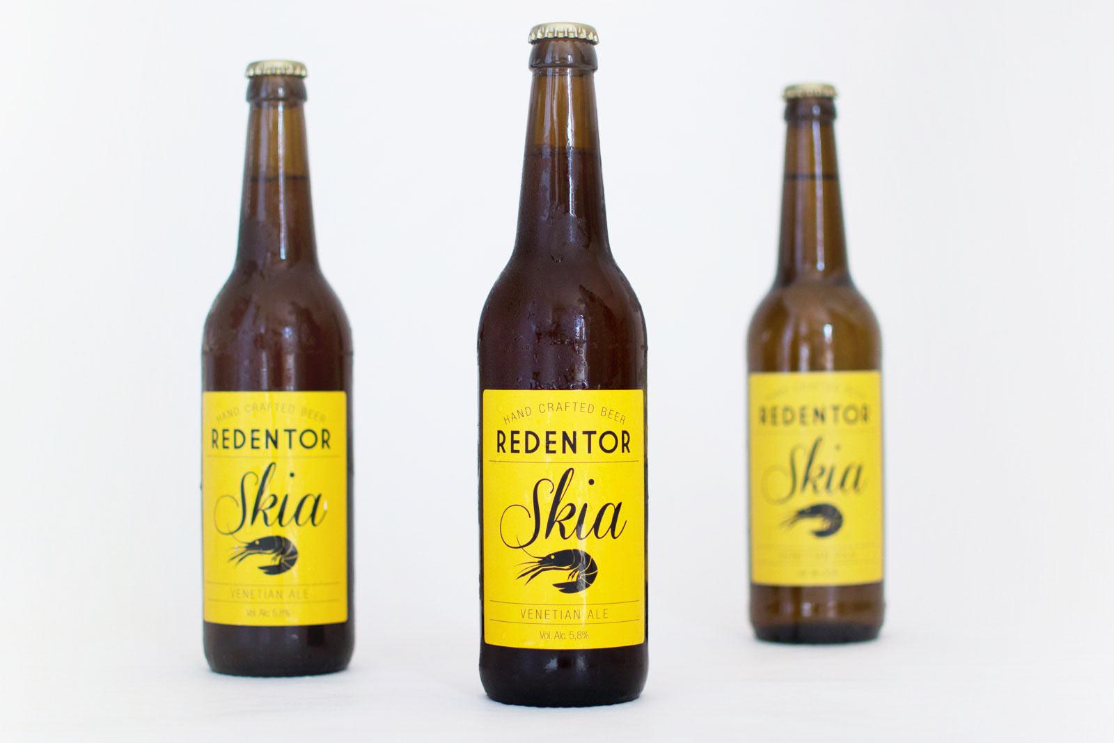 SKIA è la nostra prima produzione. na birra bionda interamente Veneziana. Un sapore dolce, dal corpo pieno e fruttato, aroma amarognolo che bilanci la dolcezza del malto.